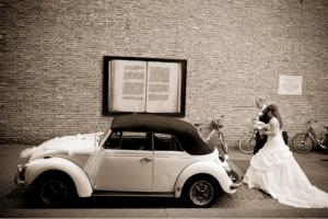 Trouwen in een VW kever, super toch! Vraag naar de mogelijkheden bij Oldtimers and more! Vanuit Lichtenvoorde, Doetinchem zijn er opstap mogelijkheden.